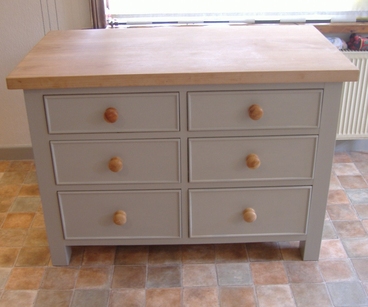 Custom kitchens and kitchen furniture from anthony frost for Kitchenette cupboard